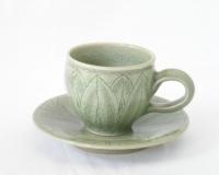青瓷刻花文コーヒー碗
