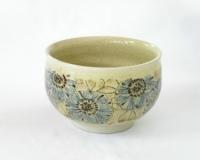 刻染付椿花文茶碗